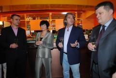 Start TV Barrandov v lednu 2009: zleva šéf marketingu Janis Sidovský, generální ředitelka Janka Vozárová, investor Tomáš Chrenek a bývalý ředitel zpravodajství Přemysl Svora. Foto: TV Barrandov