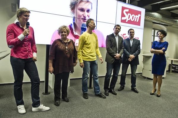 Barbora Špotáková, Věra Čáslavská, Dominik Hašek, Pavel Kuka, Karel Poborský při slavnostním otevření s Libuší Šmuclerovou