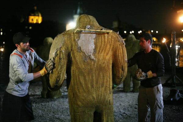 Některé díly show Amazing Race se natáčely v Česku, v Praze měli soutěžící stvořit golema. Foto: Larry D. Horricks/CBS
