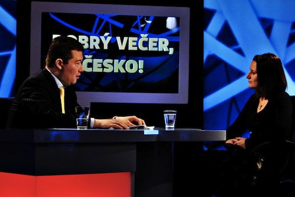Tomio Okamura při zkouškách natáčení pořadu Dobrý večer, Česko. Foto: TV Barrandov