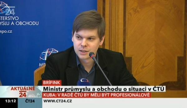 Ondřej Malý na dnešní tiskové konferenci. Repro ČT24 via Filip Rožánek