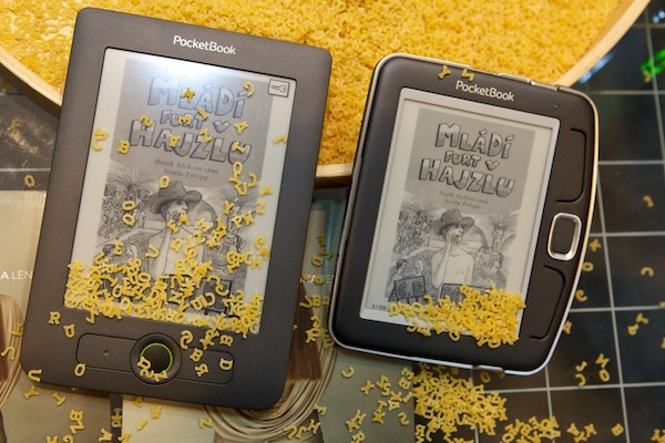 Kniha Mládí furt v hajzlu v elektronické verzi