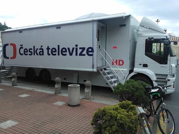 Přenosový vůz s novým logem ČT