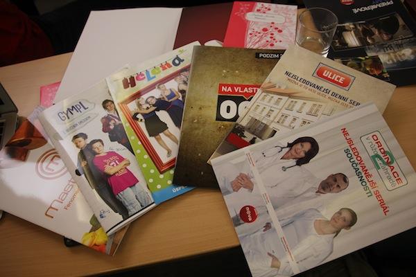 Tiskové materiály k novinkám. Foto: Linda Matásková