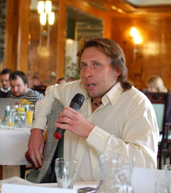Jan Tuna, kteý se proslavil ve zpravodajství Novy, od jara provází pořadem o spotřebitelských tématech