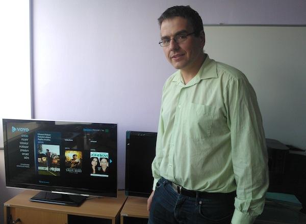 Petr Horák a náhled aplikace Voyo pro chytré televizory Samsung