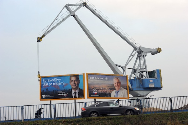 Billboard Jiřího Dienstbiera a Miloše Zemana