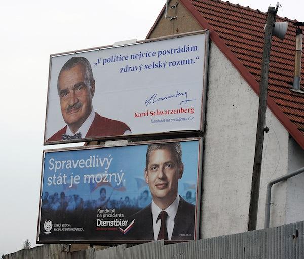 Billboard Karla Schwarzenberga a Jiřího Dienstbiera
