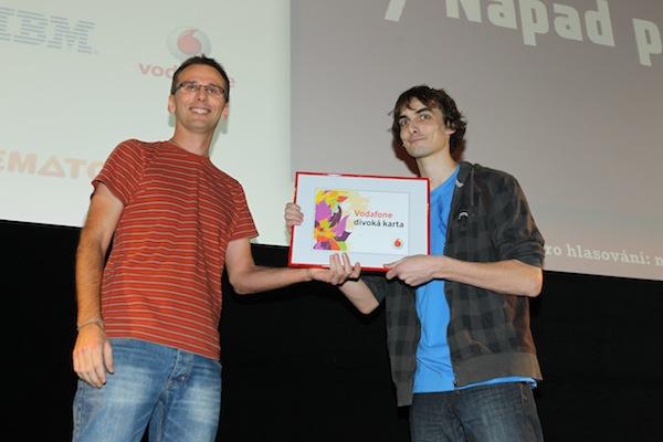 Divokou kartu Vodafonu převzal od Tomáše Peterky Jan Plešek za Prettymeter. Foto: Tomáš Pánek
