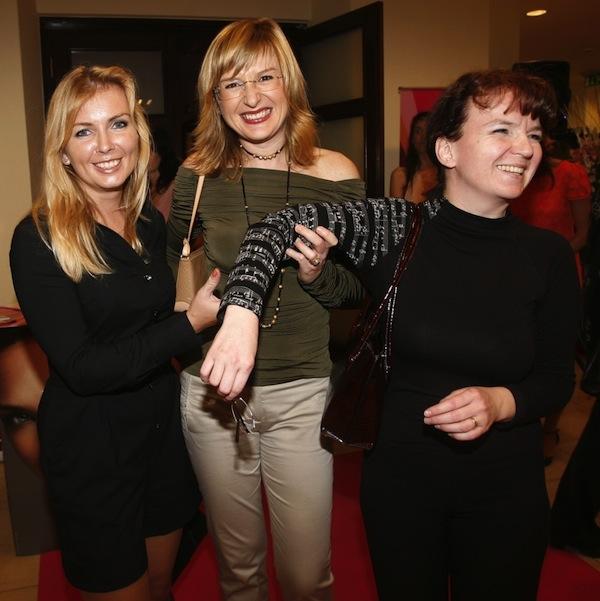 Kateřina Kašparová (vpravo) s Danou Makrlíkovou a Štěpánkou Duchkovou. Foto: Profimedia.cz