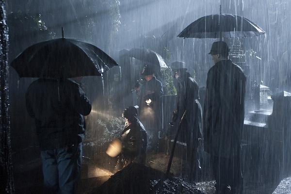 Scéna na Olšanských hřbitovech. Foto: HBO