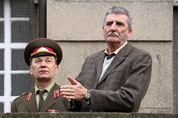 Martin Huba ztvárnil kolaborantského poslance Viléma Nového, s nímž se Palachovi soudí pro urážku na cti. Foto: HBO