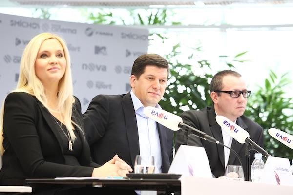 Šéfka programu Alex Ruzek, generální ředitel Novy Jan Andruško a šéf internetu Novy Pavel Krbec na dnešní tiskové konferenci Novy k jarnímu programu. Foto: TV Nova