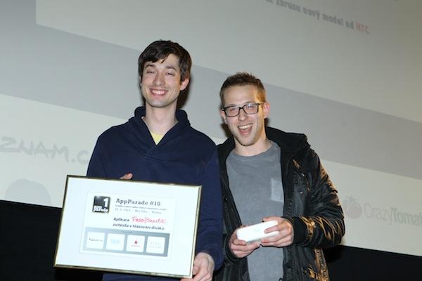 Petr Pechoušek (vlevo) zařídil skvělou prezentací vítězství uskupení It Is Gr8 s aplikací FareBandit
