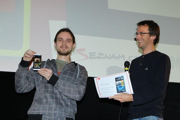 HTC One vyhrál hlasující Láďa Skoumal. Foto: Tomáš Pánek
