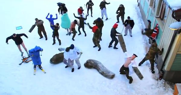 Původní Harlem Shake v podání norských vojáků
