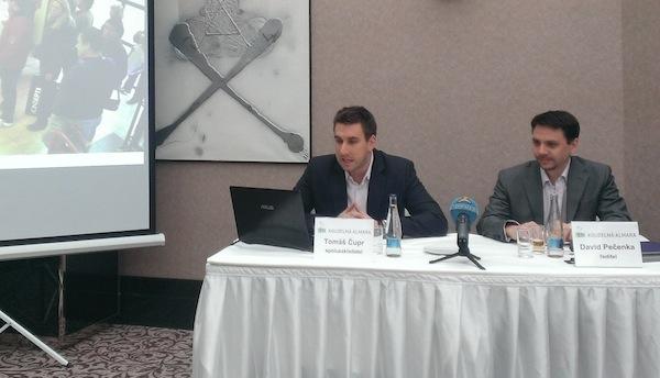 Tomáš Čupr a David Pečenka představují projekt Kouzelné almary, v pražském hotelu Kings Court