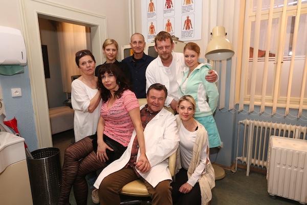 Představitelé seriálu Doktoři z Počátků. Foto: TV Nova