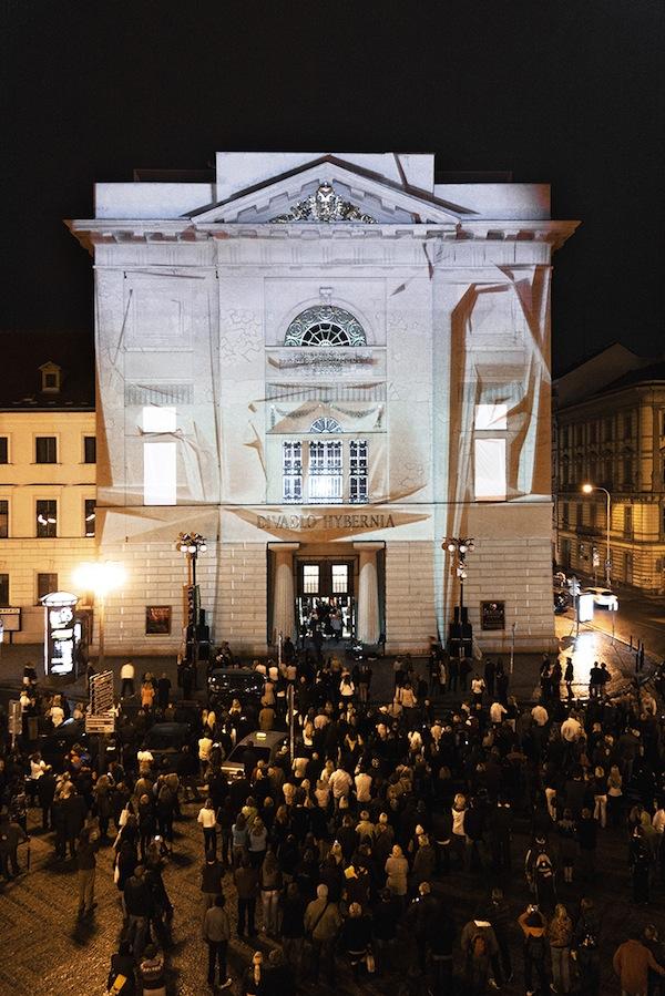 Jeden ze čtyř videomappingů využije divadlo Hybernia v centru Prahy