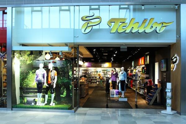 Tchibo je známá především jako značka kávy, prodává ale i oblečení nebo nábytek