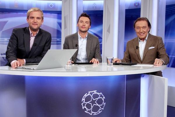 Karel Gott přišel do studia Ligy mistrů jako rodilý Plzeňák. Foto: TV Prima