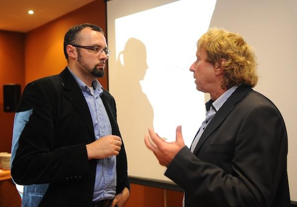 Publicista Aleš Borovan (vlevo) v rozhovoru s Radimem Pařízkem. Foto: TV Relax