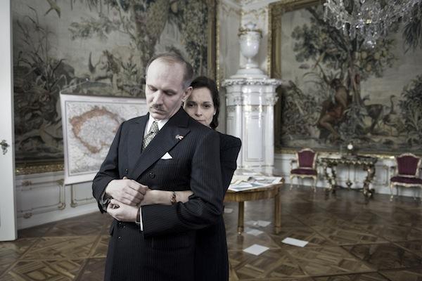 Den po Mnichovu: Martin Finger jako Edvard Beneš, Monika Fingerová jako Hana Benešová. Foto: ČT