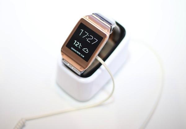 Chytré hodinky Galaxy Gear od Samsungu. Foto: Profimedia.cz