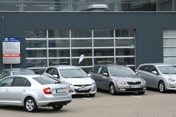 Vozy Škoda v autosalonech korejské konkurence. Foto: Škoda Auto