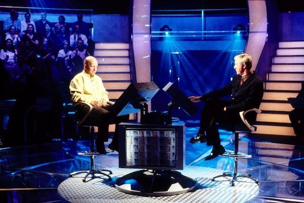 Chcete být milionářem, vpravo moderátor Chris Tarrant. Foto: Profimedia.cz