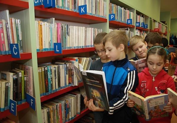 Mezi nejpůjčovanější knihy patří ty pro děti a mládež. Foto: Profimedia.cz