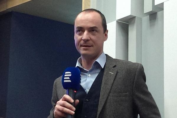 Návratu Českého rozhlasu k posluchačům Česka má pomoci Jan Bumba, dříve též hlas české BBC