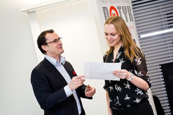 Simona Licehamrová z Atmedia vyhrála roční předplatné Forbesu. Foto: Vojta Herout