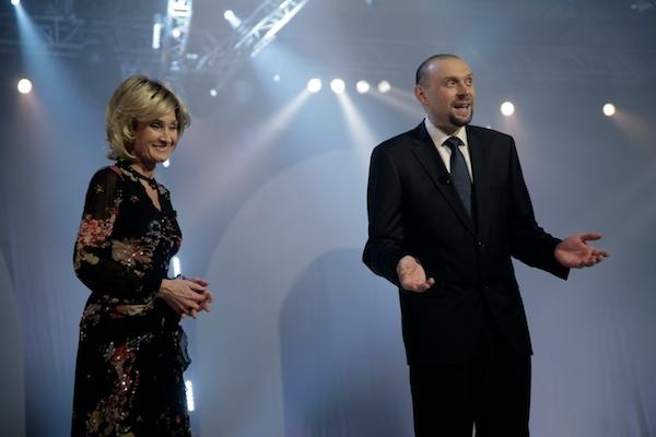 Úvodní show televize Barrandov uváděli Zuzana Bubílková a Miloš Knor. Foto: Profimedia.cz
