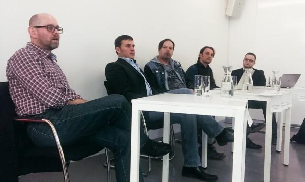 Účastníci diskuse zleva Marek Hlavica, David Švábenický, David Shorf, Jindřich Novák a moderátor Václav Sochor