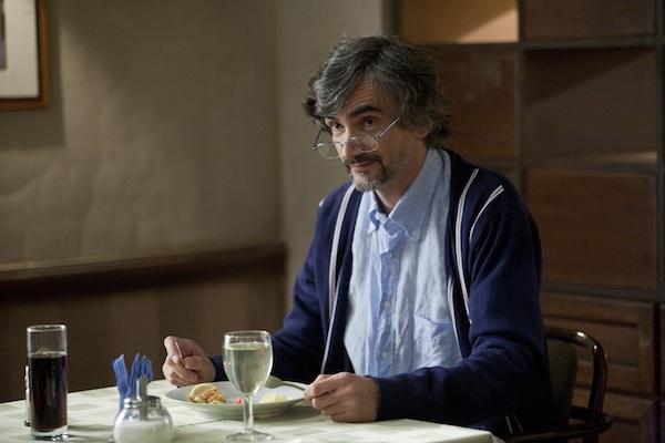 Martin Myšička jako laxní ředitel hotelu ve Čtvrté hvězdě. Foto: ČT
