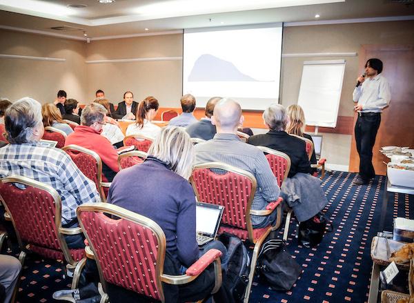Dnešní prezentace výsledků Radioprojektu probíhala ve skromnějších prostorách hotelu Hilton. Foto: Martina Votrubová