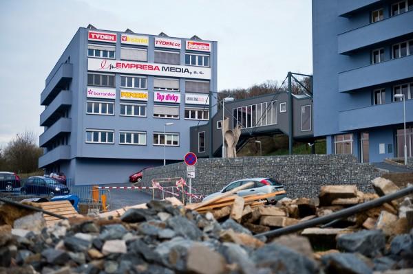 Týden sídlí v pražském Braníku, stejně jako ostatní časopisy i část televize Barrandov Jaromíra Soukupa. Foto: Vojta Herout