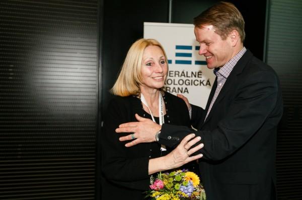 Olga Sommerová v únoru 2014 jako čerstvá první místopředsedkyně Liberálně ekologické strany (LES) Martina Bursíka, ten je předseda. Foto: František Vlček / Mafra / Profimedia.cz