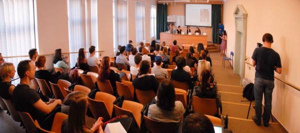Diskuse opět probíhala v učebně 215. Foto: Ondřej Novák