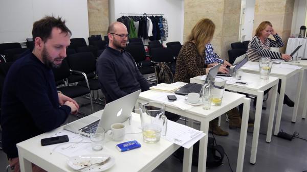 Porota posuzuje práce v kategorii Cyber. Foto: Jan Marcinek