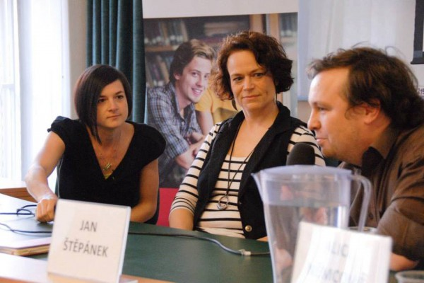 Lenka Vochocová, Lenka Tréglová a Jan Štěpánek rozprávějí o médiích. Foto: Ondřej Novák