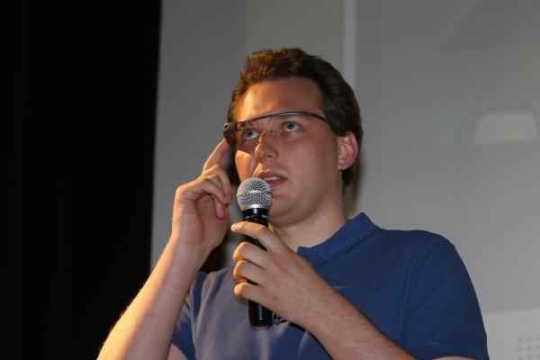Poprvé se na AppParade představily aplikace pro Google Glass (David Vávra z Inmite)