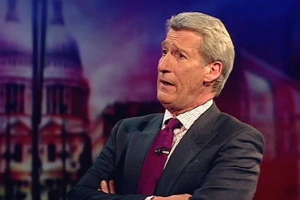 Jeremy Paxman v pořadu Newsnight televize BBC. Foto: Profimedia.cz