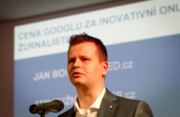 Filip Rožánek letos koncem dubna dostal cenu Googlu za inovativní žurnalistiku, za přenos Srpen 1968 na sociálních sítích. Foto: ČTK/Mlch Petr