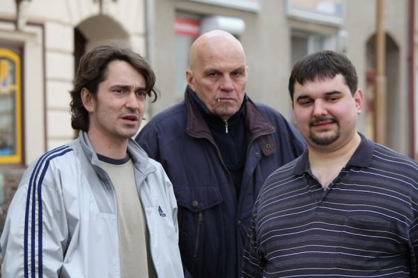 Tomáš Magnusek (vpravo) se Sašou Rašilovem a Janem Přeučilem. Foto: TV Barrandov