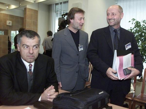 Martin Vadas (vlevo) kandidoval v roce 2001 na generálního ředitele ČT, stejně jako Vít Novotný a Jiří Balvín (vpravo), ten nakonec zvítězil. Foto: Profimedia.cz