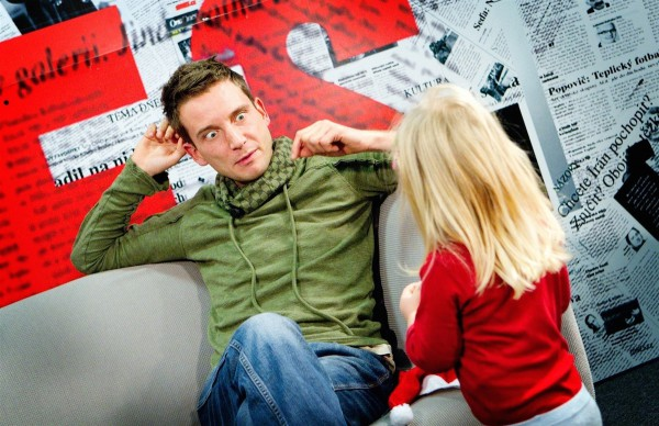 Tomáš Poláček s dcerou Apolenkou při videochatu na iDnes.cz v listopadu 2012. Foto: Jiří Benák / iDnes.cz / Profimedia.cz