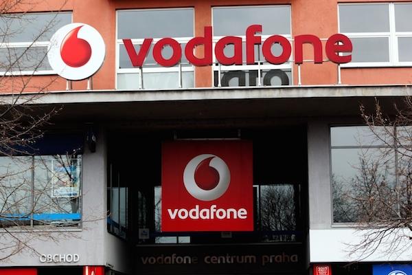 Nejmladší ze tří zdejších mobilních operátorů Vodafone (dříve Oskar) funguje v Česku od roku 2000