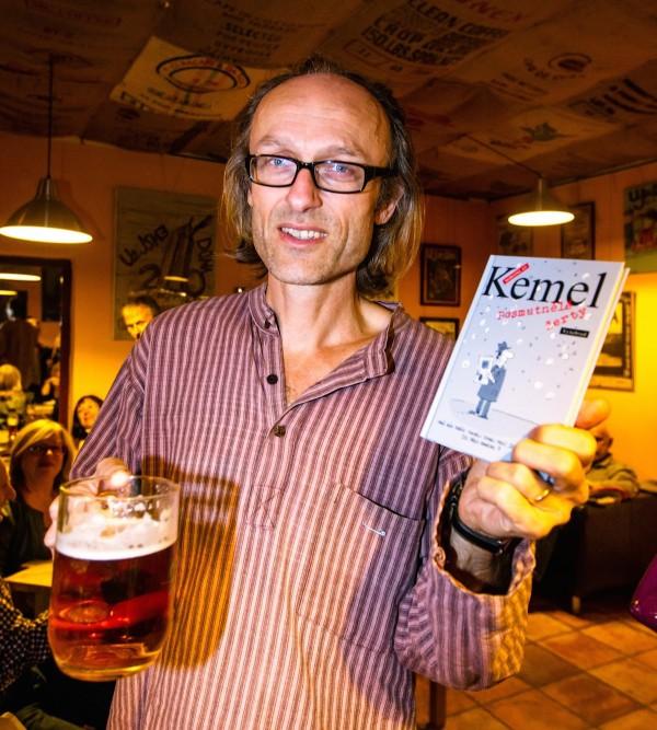 Miroslav Kemel v listopadu 2013, na křtu své knihy Posmutnělé žerty. Foto: Petr Topič / Mafra / Profimedia.cz